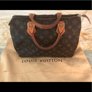 Louis Vuitton Speedy 30 with lock and pouch